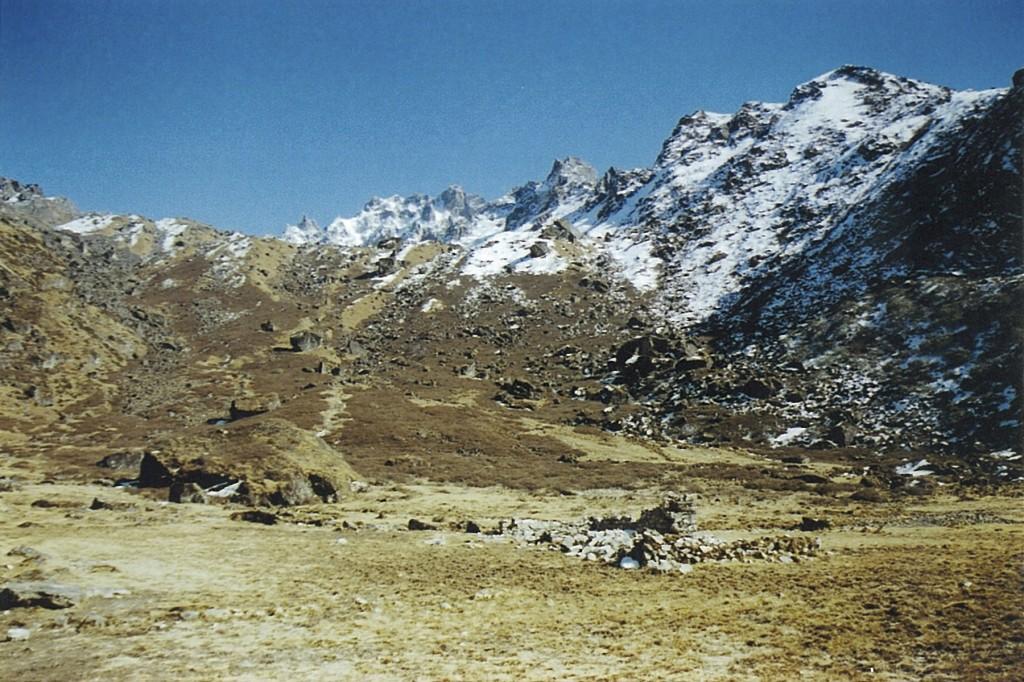 Boulder Kharka Kanchenjunga Base Camp Trek Nepal Trekking Hike Hiking Himalayas