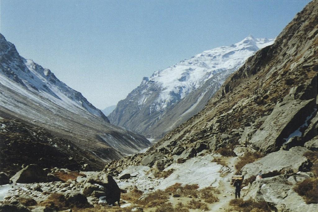 Porter Kanchenjunga Base Camp Trek Nepal Trekking Hike Hiking Himalayas