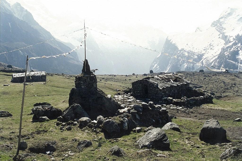 Shersong Makalu Base Camp Trek Barun Valley Makalu-Barun National Park Nepal Trekking Hike Hiking Himalayas