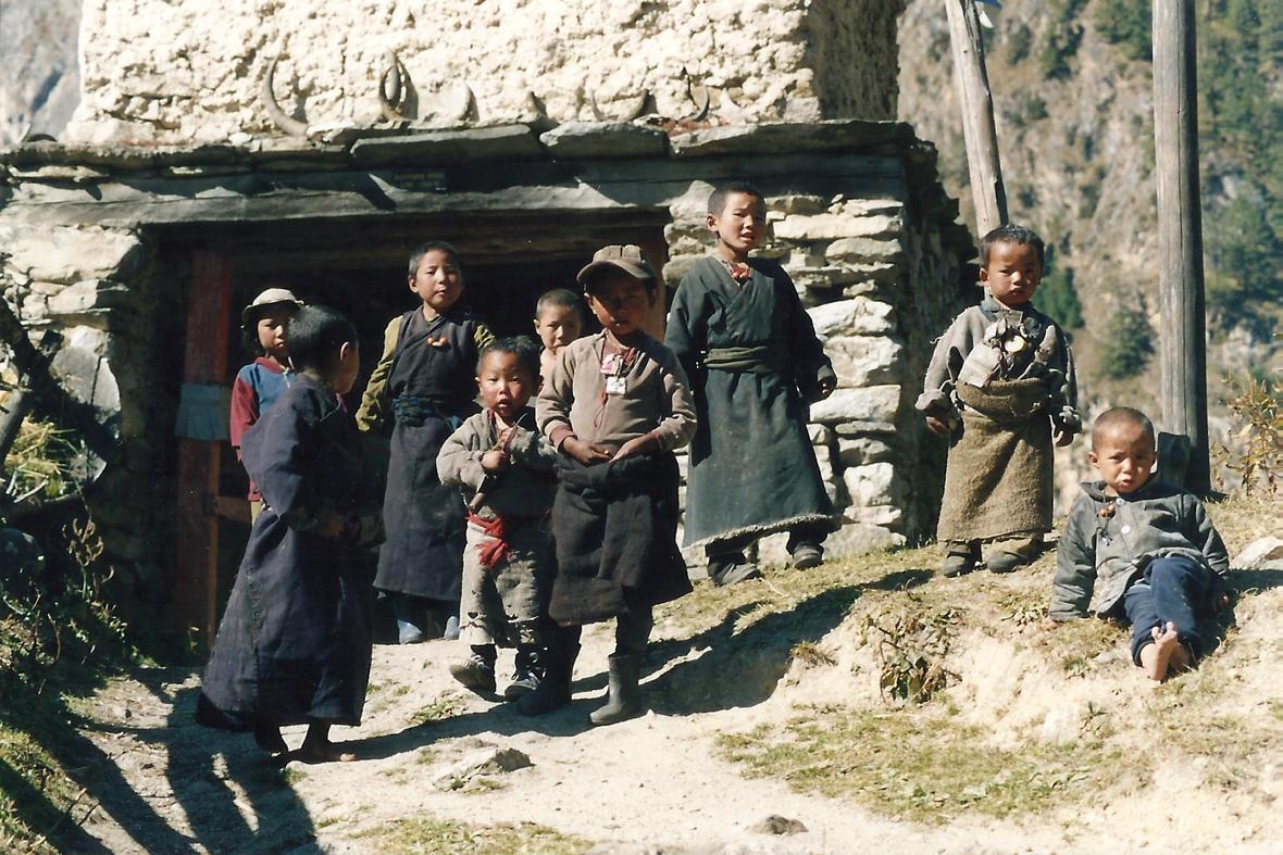 Kani Tibetan Chuba Urchins Children Manaslu Circuit Trek Nepal Trekking Hike Hiking Himalayas