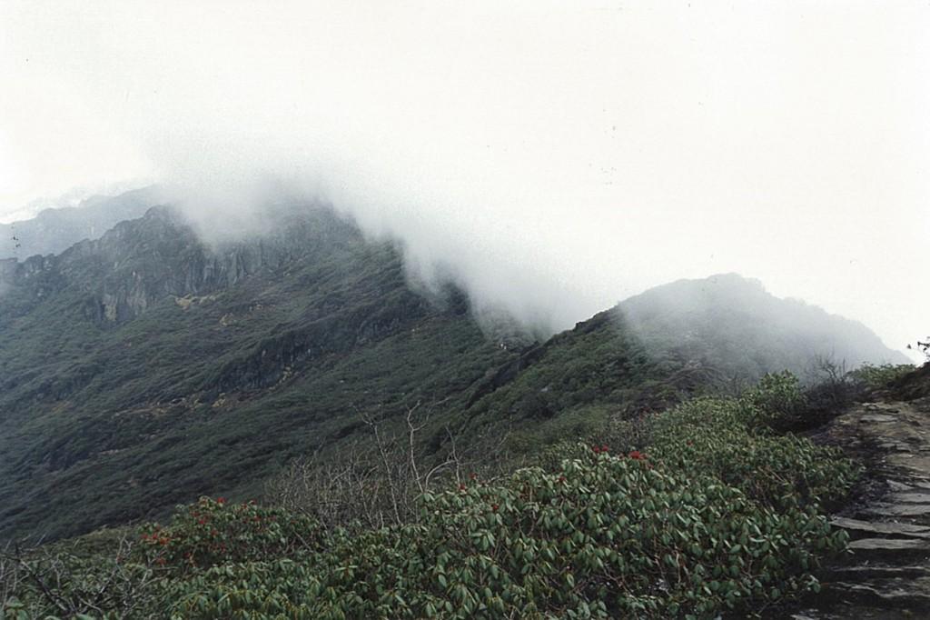 Cloudy Ridge Makalu Base Camp Trek Makalu-Barun National Park Nepal Trekking Hike Hiking Himalayas