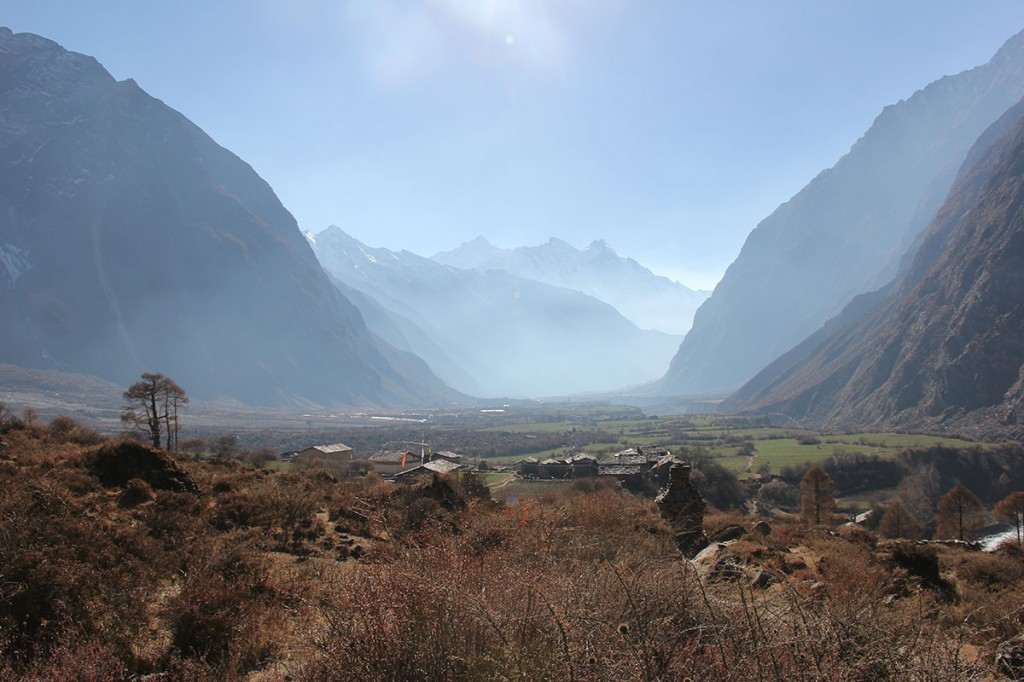 Tsum Valley Trek Trekking Hike Hiking Nepal