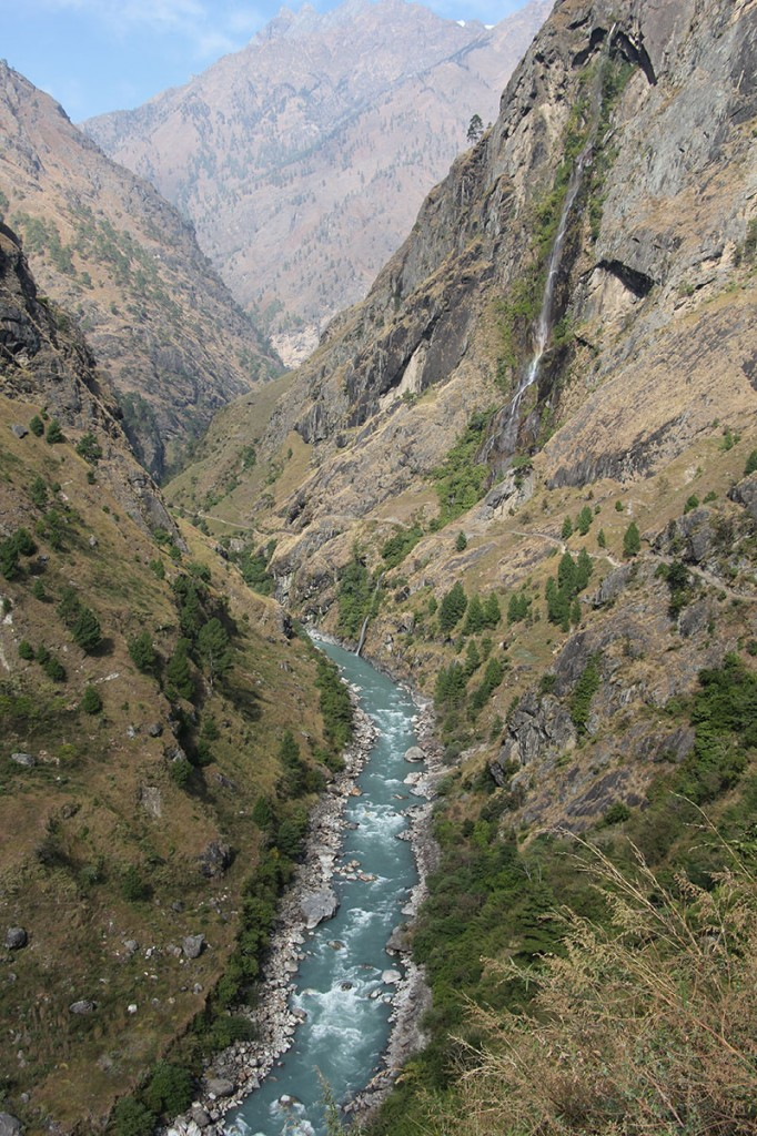 Gorge Tsum Valley Manaslu Circuit Trek Trekking Hike Hiking Nepal