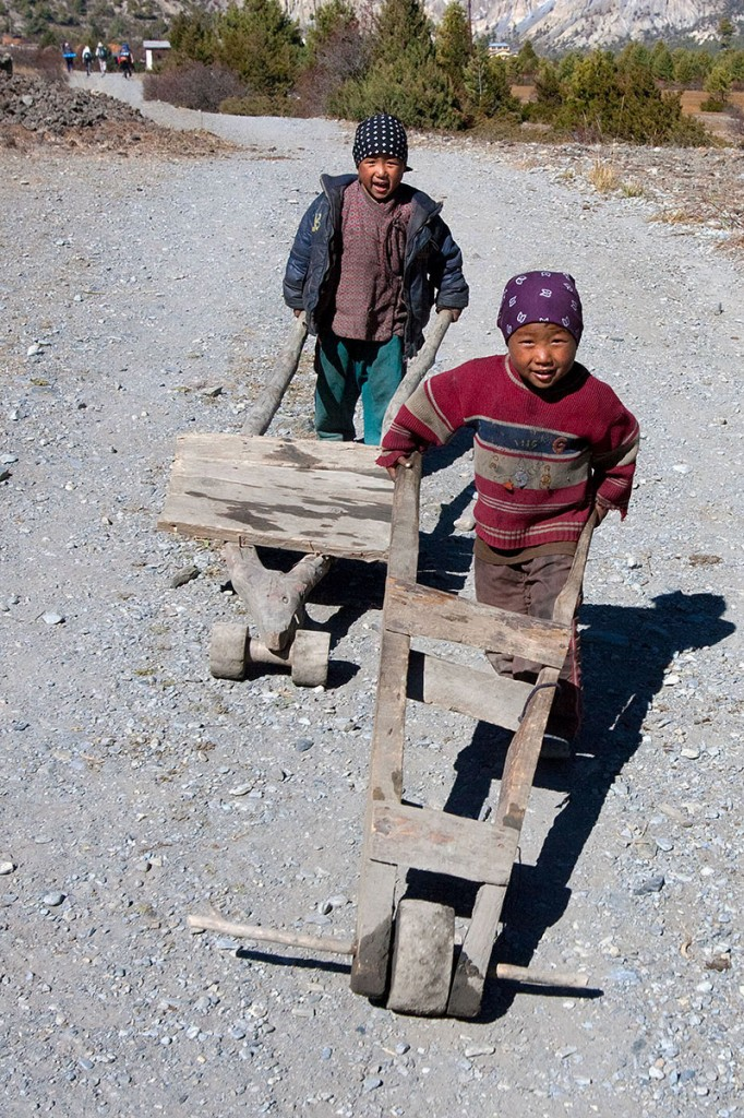 Children Wheelbarrow Upper Mustang Trek Trekking Hike Hiking Nepal