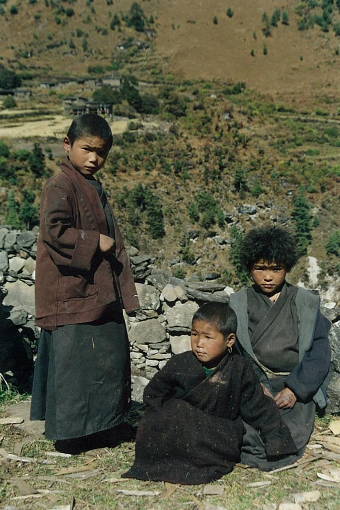 Tibetan Chuba Urchins Children Manaslu Circuit Trek Nepal Trekking Hike Hiking Himalayas