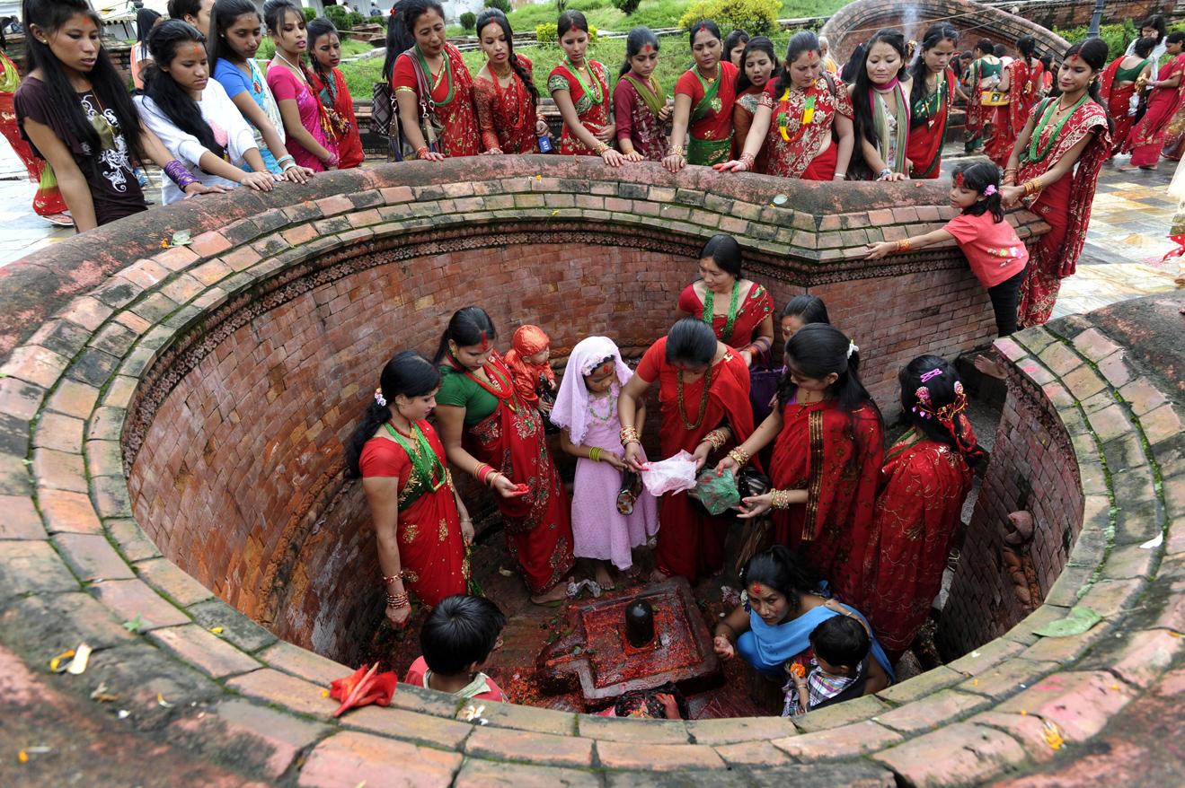 Teej Nepal Hindu Newar Religion Festival Festivals Religious Cultural Tourism Temple Dancing Dance Feast